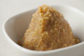コウジ酸を多く含む味噌